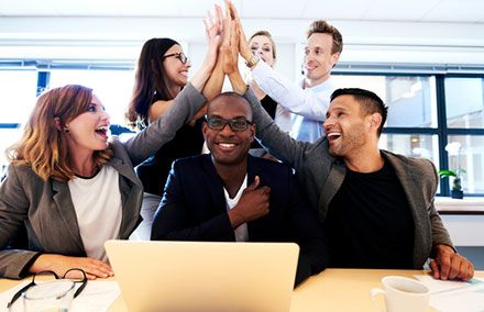 7 Non-Monetary Incentives to Motivate Your Team